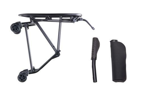 Zadní nosič s kolečky pro snadnější přesun složeného kola